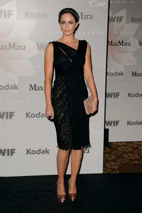 Emely Dress emily blunt cocktail dress emily blunt looks stylebistro