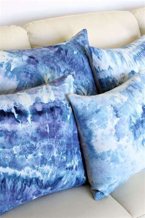 dying upholstery fabric 25 best ideas about dyeing fabric on pinterest fabric
