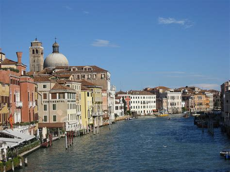 what are the boats in venice called venice clears grand canal boat traffic for several hours