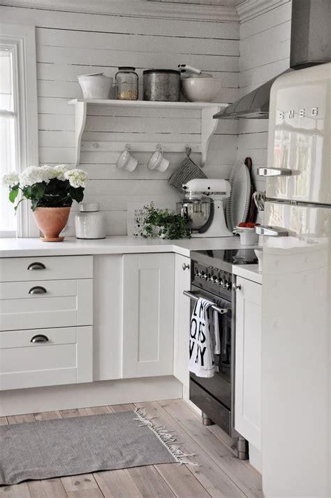 Kitchen West 17 Best Ideas About White Farmhouse Kitchens On