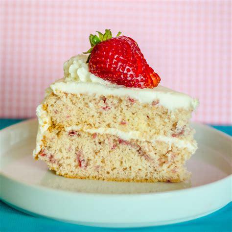 strawberry cake strawberry cake