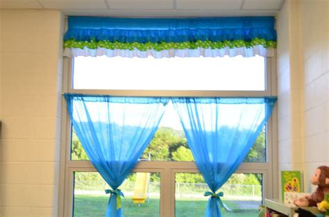 classroom curtain ideas 39 best images about frog classroom theme on pinterest