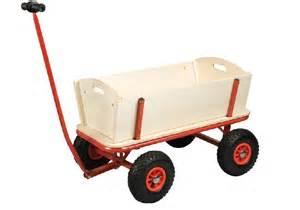 charrette de jardin en bois comparer les prix de charrette