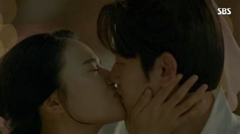 exo kiss scene z hera talks about her kiss scene with exo s baekhyun for