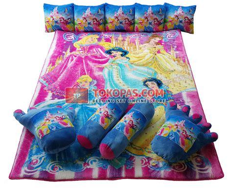 Karpet Karakter Coklat karpet selimut set karakter lembut motif kartun dewasa