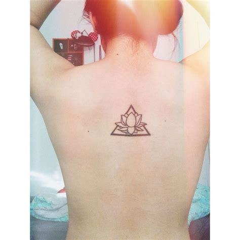 lotus flower tattoo zayn lotus flower in triangle i want this one tatuagens