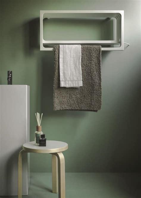 calorifero bagno calorifero da bagno con appendi asciugamano e mensola