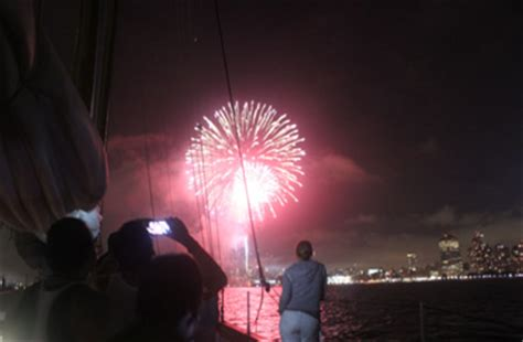 new year firecracker ceremony nyc 2015 nyc fireworks cruise new year s cruise 4th of july
