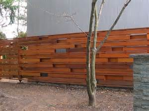 Horizontal Wood Fence Design Inexpensive Diy Horizontal Privacy Fence Designs Privacy Fence Plans Diy Privacy Fence Home