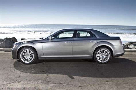 2013 Chrysler 300 Reviews by 2013 Chrysler 300 New Car Review Autotrader