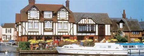 thames boat rental thames boating holidays boat hire on thames