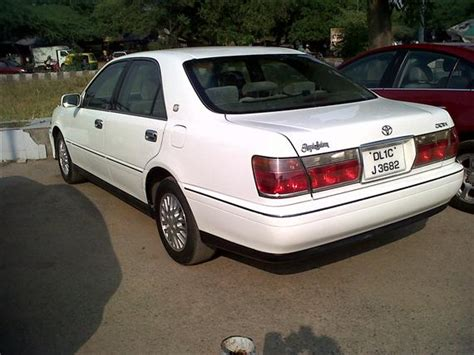 Royal Toyota Toyota Crown Royal Saloon 30 Picture 10 Reviews News