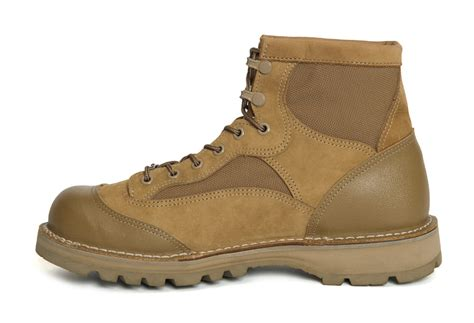 rat boots usmc n hoolywood danner team up on the inspired usmc