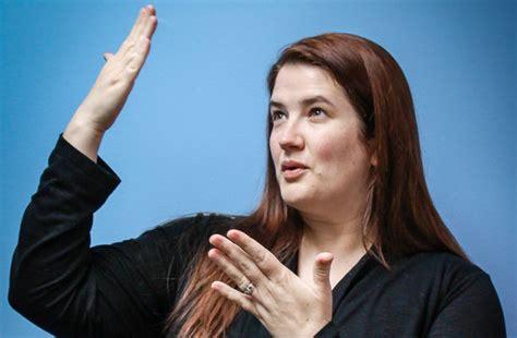 the professional sign language interpreter s handbook the deaf way interpreting services paraquad