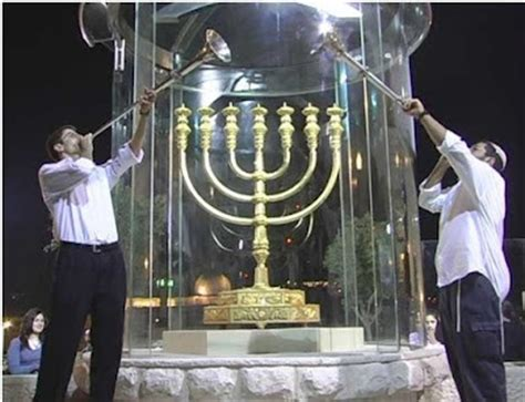 candelabro gigante t 225 ligado minist 233 rio constr 243 i menor 225 gigante para