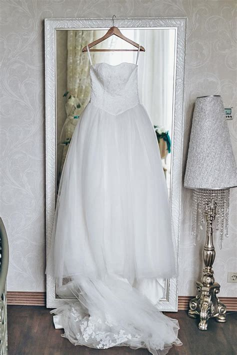 Guide To Wedding Dress Preservation Prior To (And After