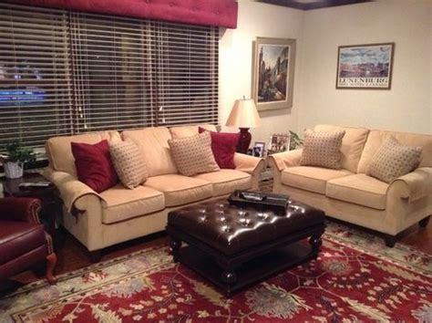 burgundy and blue living room how to decorate around burgundy and gold curtains search home decor
