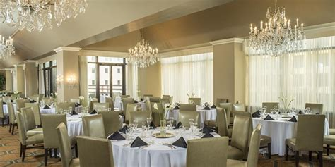 Wedding Planner Columbus Ohio by The Doubletree Suites Capital Club Of Columbus Weddings