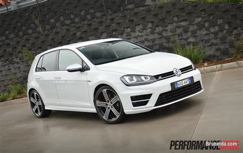 volkswagen brunei 2015 vw golf r mk7 white cars for sale in brunei muara