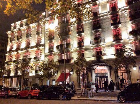 avenue montaigne paris fashion windows fashion trendsetter