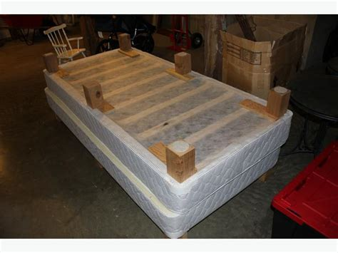 Amazing Deal Hotel Quality King Size Boxspring Bedframe Hotel Bed Frames