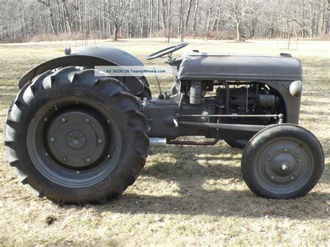 1947 ford 2n tractor great running restoration