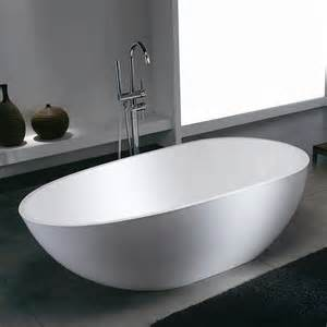 baths of distinction unveils a new contemporary solid