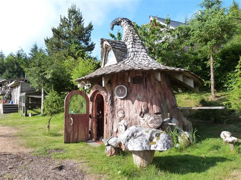 pictures of hobbit houses hobbit house images 0024