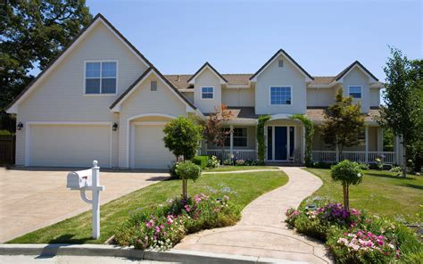 photos of beautiful homes how to create curb appeal eye catching home design