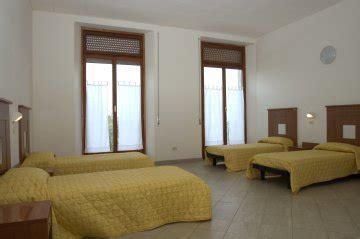 ostelli londra centro con bagno privato yha ostello di loreto loreto italia hostelscentral