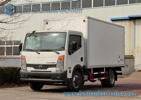 truck hton va 4 x 2 light duty 3 ton refrigerated box truck dongfeng