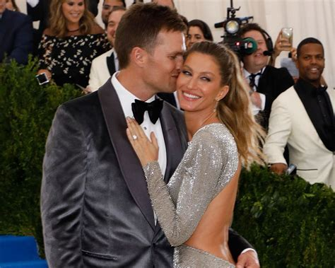 Gisele and Tom Brady Share New Wedding Pics on Anniversary