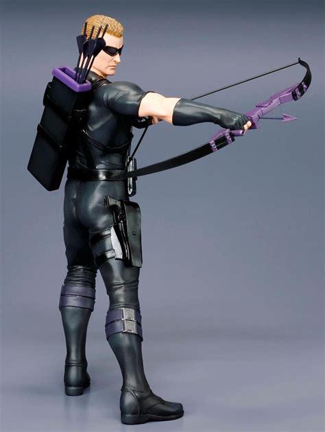 Figure Series Hasbro Classic Hawkeye kotobukiya hawkeye artfx statue photos revealed