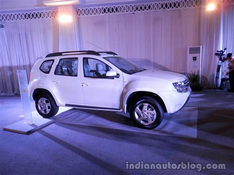 renault indonesia live renault enters the indonesian market with duster