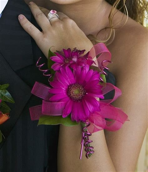 Other Designers Julie K Toni In Wristlet by 70 Best Images About Homecoming Prom Ideas On