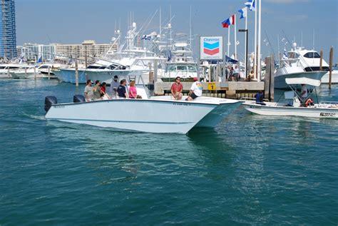 invincible boats 40 cat 33 freeman vs 42 invincible video at miami show page 6