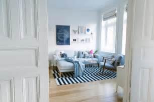 wohnzimmerwand ideen vintage wohnzimmer blau