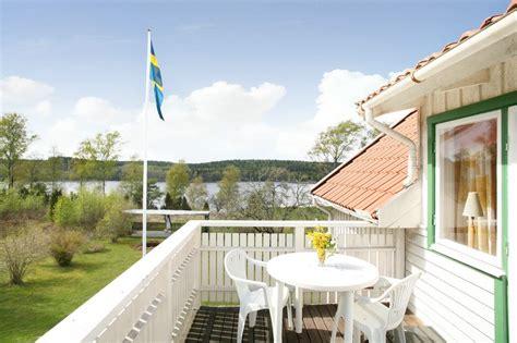 hängematte auf balkon bilder haupthaus innen schweden immobilien