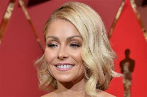 kelly ripas new fill in co hosts jim parsons david kelly ripa to announce new co host monday gephardt daily