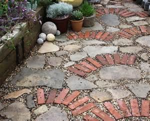 Recycled Patio Pavers 10 Unique Diy Garden Path Designs Home Design And Interior