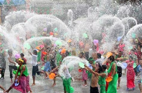 new year 2015 holidays thailand the thai new year or quot songkran quot festival april 13 16