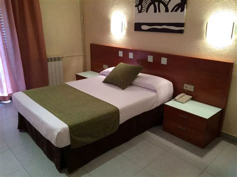 habitacion doble barcelona habitaci 211 n doble hotel aneto barcelona
