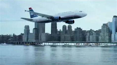 Miracle Landing On The Hudson Trailer For Sully About Flight 1549 Miracle On The Hudson Water Landing