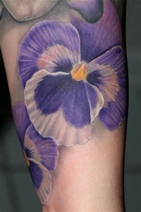 tattoo flower pansy flower tattoo tattoos pinterest stiefm 252 tterchen