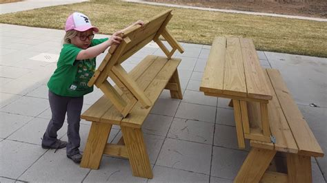 benches transform into picnic tables