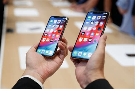 apples bigger iphone xs   slammed   sexist