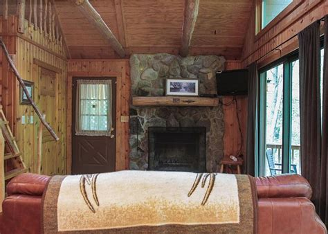 Cabins With Tubs In Ohio by Logan Ohio Usa Secluded 2 Bedroom Vacation Cabin In