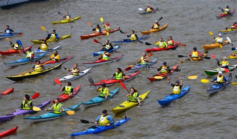 river thames kayak licence kayaking river thames london united kingdom