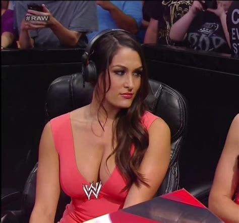 nikki bella on raw pop minute nikki brie bella twins wwe raw ringside