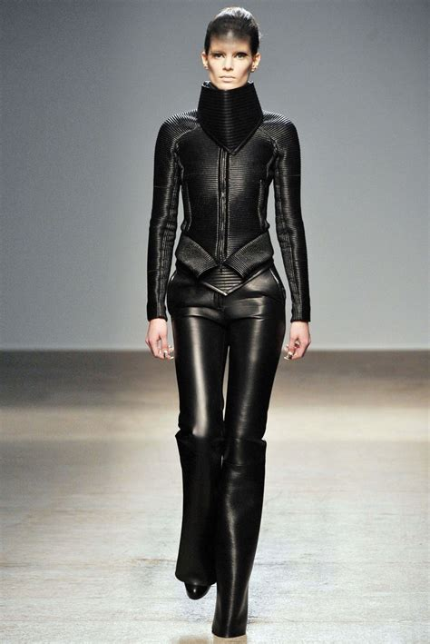 futuristic style gareth pugh leather runway black leather and fur